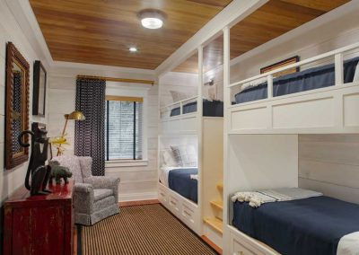 Ford Plantation Roomy Bedroom Bunk Beds